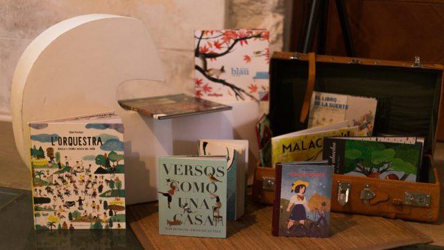 Baba Kamo acull el taller 'Com llegim quan llegim àlbums il·lustrats'